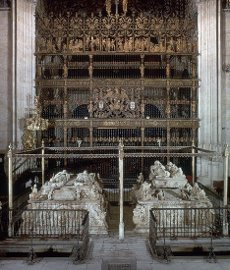 MAUSOLEOS REALES- SEPULCROS DE LOS REYES CATOLICOS JUANA LA LOCA Y FELIPE EL HERMOSO - 1517. Autor: DOMENICO FANCELLI. Localización: CATEDRAL-CAPILLA REAL-INTERIOR. GRANADA. ESPAÑA. FERNANDO II DE ARAGON. FERNANDO EL CATOLICO. ISABEL I DE CASTILLA. FELIPE I EL HERMOSO. JUANA I DE CASTILLA. FELIPE EL HERMOSO. FELIPE DE BORGOÑA.MAUSOLEOS REALES- SEPULCROS DE LOS REYES CATOLICOS JUANA LA LOCA Y FELIPE EL HERMOSO - 1517. Author: DOMENICO FANCELLI. Location: CATEDRAL-CAPILLA REAL-INTERIOR. GRANADA. SPAIN. FERDINAND II OF ARAGON. FERNANDO EL CATOLICO. ISABELLA I OF CASTILE. FELIPE I EL HERMOSO. JOANNA OF CASTILE. FELIPE EL HERMOSO. FELIPE DE BORGOÑA.. Album \/ Oronoz. GRANADA SPAIN.