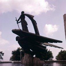 MONUMENTO AL ANGEL CAIDO CONOCIDO COMO EL MONUMENTO A FRANCO - INAUGURADO EN 1966 - FOTO DE LOS AÑOS 60. Autor: Juan de Avalos y Taborda. Localización: EXTERIOR. SANTA CRUZ DE TENERIFE. TENERIFE. ESPAÑA. FRANCISCO FRANCO.MONUMENTO AL ANGEL CAIDO CONOCIDO COMO EL MONUMENTO A FRANCO - INAUGURADO EN 1966 - FOTO DE LOS AÑOS 60. Author: Juan de Avalos y Taborda. Location: EXTERIOR. SANTA CRUZ DE TENERIFE. TENERIFFA. SPAIN. FRANCISCO FRANCO.. Album \/ Oronoz. TENERIFFA SPAIN.