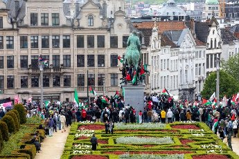 People gather for a demonstration in solidarity with the Palestinians and denouncing Israeli bombings, Saturday 15 May 2021 in Brussels. BELGA PHOTO HATIM KAGHAT