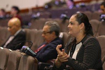 Ana Lucía Delgado, del PLN, aclaró que la Asamblea no puede aprobar, de ningún modo, un presupuesto extraordinario para autorizarle al Gobierno la entrega de subsidios a afectados económicamente por el covid-19, pues el Gobierno ni siquiera ha enviado el proyecto al Congreso. Foto: Cortesía Asamblea Legislativa.