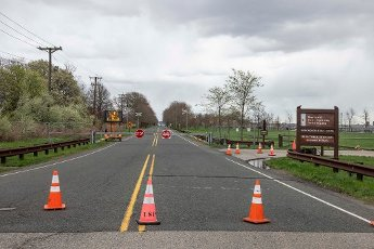 April 10, 2020: Liberty State Park is closed after Governor Phil Murphy of The State of New Jersey closed all state parks in Jersey City, New Jersey. Mandatory credit: Kostas Lymperopoulos/