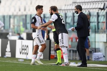 July 4, 2020, Turin, United Kingdom: Juventus\'s Argentinian striker Paulo Dybala is substituted for Argentinian striker Gonzalo Higuain during the Serie A match at Allianz Stadium, Turin. Picture date: 4th July 2020. Picture credit should read: Jonathan Moscrop