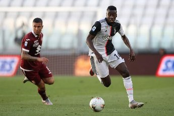 July 4, 2020, Turin, United Kingdom: Juventus\'s French midfielder Blaise Matuidi bursts past Torino FC\'s Italian defender Armando Izzo during the Serie A match at Allianz Stadium, Turin. Picture date: 4th July 2020. Picture credit should read: Jonathan Moscrop