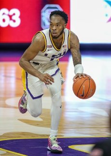January 16, 2021: LSU\'s Javonte Smart (1) tries to drive around the defense during NCAA Basketball action between the South Carolina Gamecocks and the LSU Tigers at the Pete Maravich Assembly Center in Baton Rouge, LA. Jonathan Mailhes