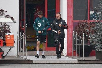 Hans Dieter Flick (Hansi, coach FC Bayern Munich) with Thomas MUELLER (MULLER, FC Bayern Munich). FC Bayern Munich training on Saebener Strasse. Soccer 1. Bundesliga, season 2020\/2021 on April 19, 2021.   usage worldwide