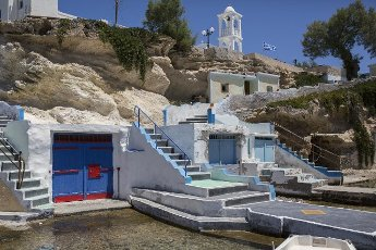 14 May 2021, Greece, Mandrakia: A view of the houses of Mandrakia on the Greek island of Milos. Saturday, May 15, marks the official start of the 2021 tourism season in Greece, when most of the previous Corona restrictions will fall away, including the ban on travel within the country. Tourism is an important economic factor for the country. Photo: Socrates Baltagiannis\/dpa