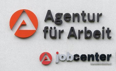 06 May 2021, Saxony-Anhalt, Sangerhausen: The logo of the employment agency can be seen on the building complex of the authority in Sangerhausen. Photo: Hendrik Schmidt\/dpa-Zentralbild\/ZB