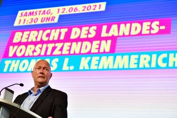 12 June 2021, Thuringia, Erfurt: Thomas Kemmerich, FDP state chairman, speaks at the state party conference of the Thuringian FDP. The party wants to re-elect its party leadership. Thomas Kemmerich is once again running for the state chairmanship. Photo: Martin Schutt\/dpa-Zentralbild\/dpa