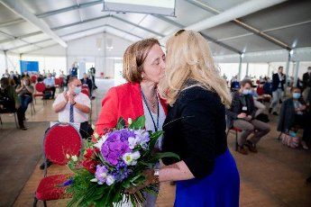 12 June 2021, Berlin: Beatrix von Storch (l), deputy leader of the AfD parliamentary group, is congratulated by Kristin Brinker, state chairwoman of the Berlin AfD, at the election meeting of the AfD Berlin in Berlin-Biesdorf (Marzahn-Hellersdorf) for the list position 1 for the federal election. The Berlin AfD state association will determine its candidates for the federal election on September 26, 2021 this weekend. Photo: Christoph Soeder\/dpa
