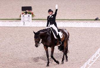 dpatop - 27 July 2021, Japan, Tokio: Equestrian Sport\/Dressage: Olympia, Team, Final, Equestrian Park. Jessica von Bredow-Werndl from Germany rides Dalera. The German dressage team wins gold. Photo: Friso Gentsch\/dpa