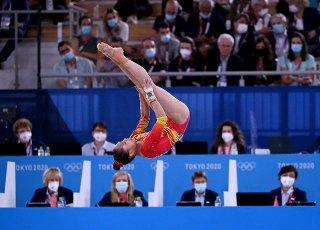 27 July 2021, Japan, Tokio: Gymnastics: Olympics, team, women, final, floor, at Ariake Gymnastics Centre: Lu Yufei from China in action. Photo: Marijan Murat\/dpa