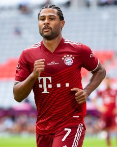 31 July 2021, Bavaria, Munich: Football: Test matches, FC Bayern München - SSC Napoli at Allianz Arena. Serge Gnabry of Munich in action. Photo: Sven Hoppe\/dpa - IMPORTANT NOTE: In accordance with the regulations of the DFL Deutsche Fußball Liga and\/or the DFB Deutscher Fußball-Bund, it is prohibited to use or have used photographs taken in the stadium and\/or of the match in the form of sequence pictures and\/or video-like photo series