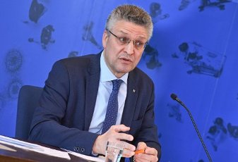31 March 2020, Berlin: Lothar Wieler, head of the Robert Koch Institute, will speak at a press conference about the current status of the spread of the coronavirus and its control. Photo: Annegret Hilse/Reuters-Pool/