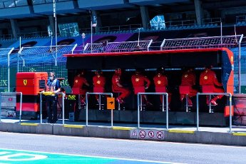 Motorsports: FIA Formula One World Championship 2020, Grand Prix of Austria, Pit wall of Scuderia Ferrari Mission Winnow | usage