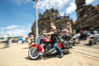 04 July 2020, Saxony, Dresden: More than 1,000 bikers are on their way to Dresden\'s Theaterplatz to protest against driving bans and the demands of the Bundesrat to reduce motorcycle noise. The protest action is taking place nationwide. Photo: Daniel Schäfer\/dpa-Zentralbild