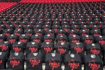 """04 July 2020, Berlin: Football: DFB Cup, Final: Bayer Leverkusen - FC Bayern Munich in the Olympic Stadium. T-shirts with the inscription """"Finale"""" are put over the seats on the empty Leverkusen grandstand. Photo: Michael Sohn\/AP Pool\/dpa - IMPORTANT NOTE: In accordance with the regulations of the DFL Deutsche Fußball Liga and the DFB Deutscher Fußball-Bund, it is prohibited to exploit or have exploited in the stadium and\/or from the game taken photographs in the form of sequence images and\/or video-like photo series"""