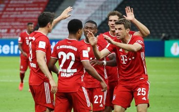 FCB Serge Gnabry, jubilation, goaljubel, after the 2: 0, more than 5 five five players, FCB Leon Goretzka, FCB Robert Lewandowski, FCB David Alaba, FCB Thomas Muller, Mueller, firo, sport, soccer, cup final: season 2019 \/ 2020, 04.07.2020 DFB-Pokal final of men Bayer Leverkusen - FC Bayern Munich, Muenchen Photo: Jurgen Fromme \/ firosportphoto \/ POOL For journalistic purposes only! Only for editorial use! | usage