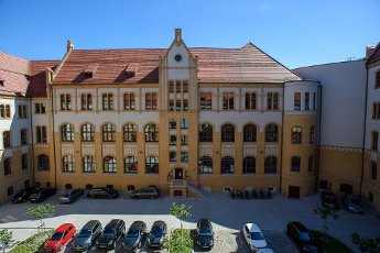 13 July 2020, Saxony-Anhalt, Magdeburg: The renovated building and the inner courtyard of the regional court. The state of Saxony-Anhalt had invested around 38 million euros in the refurbishment of the listed building since 2016. The regional court had been built between 1900 and 1906 as a palace of justice. Photo: Klaus-Dietmar Gabbert\/dpa-Zentralbild