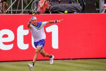 "13 July 2020, Berlin: Tennis: Invitational tournament ""bett1aces"" for ladies and gentlemen at the Steffi Graf Stadium. Men, singles, quarter-finals, Bautista Agut (Spain) - Struff (Germany). Jan-Lennard Struff returns a ball . Photo: Andreas Gora"