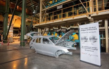 12 July 2020, Lower Saxony, Salzgitter: The body of an Audi Q3 is in the Salzgitter AG plant. The steel manufacturer Salzgitter AG wants to reduce CO2 emissions considerably. As part of the company\'s climate strategy, coal is to be gradually replaced by hydrogen and electricity from renewable sources in the production of iron. The end result would be a 95 percent reduction in CO2 emissions. Photo: Julian Stratenschulte
