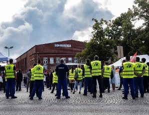 16 July 2020, Brandenburg, Hennigsdorf: Employees of the train manufacturers Alstom and Bombardier will gather in front of the Henningsdorf plant during the European day of action. After the takeover of Bombardier Transportation by Alstom, the new owner has announced restructuring measures. Photo: Paul Zinken