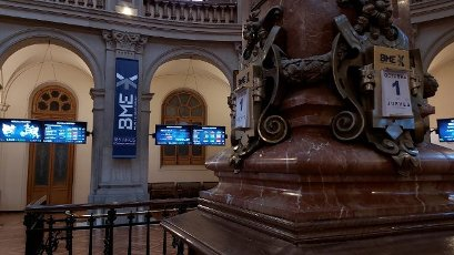 A close-up of the marble column holding the date at the floor of Madrid Stock Exchange main headquarters at Lealtad square in Madrid, central Spain, 01 October 2020. IBEX 35, Spain\'s main index, was about to reach 6,800 points shortly after the start of the session, over a 1 per cent up, after Wall Street\'s rises on 30 September. EFE\/ Altea Tejido