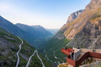 Plattingen viewing platform, hairpin bends on the Trollstigen mountain road, near Åndalsnes, Møre og Romsdal, Vestland, Norway