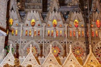 Sculptures The facade, La Sagrada Família, at night, Temple Expiatori de la Sagrada Família, Antoni Gaudí, UNESCO World Heritage Site, Eixample, Barcelona, Catalonia, Spain