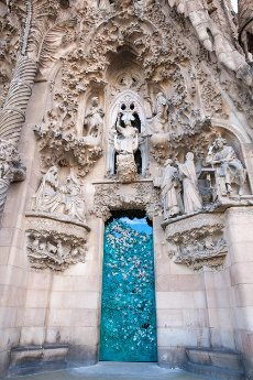 Sculptures The facade, La Sagrada Família, Temple Expiatori de la Sagrada Família, Antoni Gaudí, UNESCO World Heritage Site, Eixample, Barcelona, Catalonia, Spain