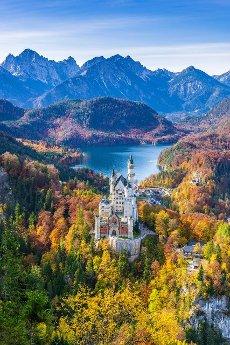 Neuschwanstein Castle in autumn, near Schwangau, Ostallgäu, Allgäu, Swabia, Bavaria, Germany