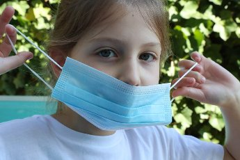 Pierre Teyssot/MAXPPP ; Coronavirus Pandemic - Protective Masks Distribution to the population in Pergine Valsugana, Italy on April 10, 2020. Free Chirurgical Masks have been delivered at the population in the letter box by the firemen. Wearing a ...