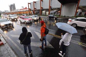 EUM20200814SOC13.JPG CIUDAD DE MÉXICO. Rain\/Lluvia-CDMX.- 14 de agosto de 2020. Aspectos de la lluvia que se registra la tarde del viernes en la Ciudad de México. Foto: Agencia EL UNIVERSAL\/Germán Espinosa