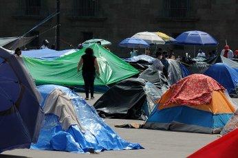 EUM20200814SOC10.JPG CIUDAD DE MÃXICO. Protest\/Protesta-CNTE.- 14 de agosto de 2020. Aspectos del plantón en la plancha del Zócalo de la Coordinadora Nacional de Trabajo de la Educación procedentes de Michoacán. Foto: Agencia EL UNIVERSAL\/Hugo García