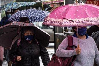 EUM20200814SOC16.JPG CIUDAD DE MÉXICO. Rain\/Lluvia-CDMX.- 14 de agosto de 2020. Aspectos de la lluvia que se registra la tarde del viernes en la Ciudad de México. Foto: Agencia EL UNIVERSAL\/Germán Espinosa