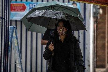 EUM20200814SOC15.JPG CIUDAD DE MÉXICO. Rain\/Lluvia-CDMX.- 14 de agosto de 2020. Aspectos de la lluvia que se registra la tarde del viernes en la Ciudad de México. Foto: Agencia EL UNIVERSAL\/Germán Espinosa\/EELG
