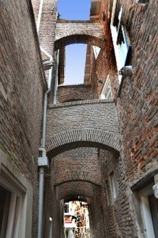 alley in the old town of Kampen in the Netherlands