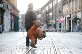10.04.2020., Zagreb, Croatia - The story of abandon teddy bear has a happy ending. A cute big teddy bear found a new owner who proudly placed him on the balcony of apartment after he was thrown on the street after the earthquake that hits Zagreb on March 22, 2020. Photo: Sanjin Strukic/PIXSELL