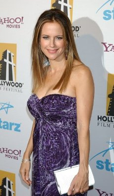 September 9, 2009 - Los Angeles, California, United State: Kelly Preston arrives at the Hollywood Film Festival\'s 11th Annual Hollywood Awards at the Beverly Hilton Hotel. (Gary Lewis\/Polaris
