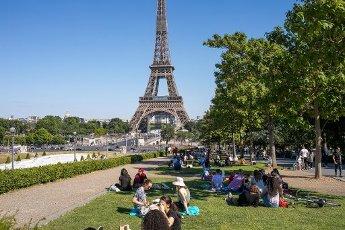 Tour Eiffel et Trocadero. COVID 19, les parcs et jardins Parisiens ouvrent leurs portes. Paris, FRANCE- 30\/05\/2020.\/\/04MEIGNEUX_meigneuxG011\/2005310906\/Credit:ROMUALD MEIGNEUX\/SIPA\/
