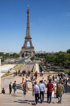 Tour Eiffel et Trocadero. COVID 19, les parcs et jardins Parisiens ouvrent leurs portes. Paris, FRANCE- 30\/05\/2020.\/\/04MEIGNEUX_meigneuxG027\/2005310909\/Credit:ROMUALD MEIGNEUX\/SIPA\/