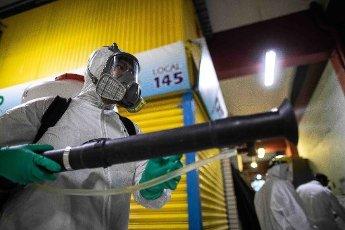EUM20200403SOC04.JPG MORELIA, Mich. Sanitization/Sanitización-Mercados.- 3 de abril de 2020. Aspectos de la sanitización que se lleva a cabo en los mercados de Morelia ante la contingencia por coronavirus. Foto: Agencia EL UNIVERSAL/EELG