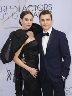 Dave Franco To Make Directorial Debut With Thriller Starring Wife Alison BrieAuthor WENN20200410Dave Franco is set to direct his wife Alison Brie for his first venture behind the camera.The actor is set to make his filmmaking debut with the ...