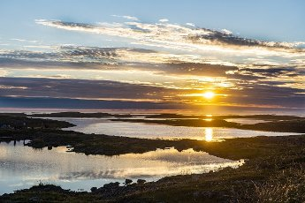 Norway, Vega Archipelago, Sunset over Unesco world heritage site