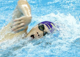 (201001) -- QINGDAO, Oct. 1, 2020 (Xinhua) -- Hu Jia of Shandong competes during the men\'s 800m freestyle final at the 2020 Chinese National Swimming Championships in Qingdao, east China\'s Shandong Province, Oct. 1, 2020. (Xinhua\/Chen Jianli
