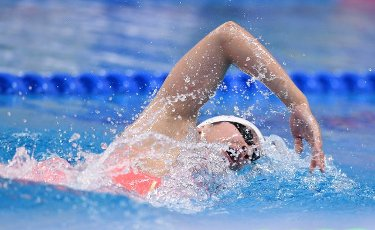 (201001) -- QINGDAO, Oct. 1, 2020 (Xinhua) -- Zhang Ke of Hebei competes during the women\'s 400m freestyle final at the 2020 Chinese National Swimming Championships in Qingdao, east China\'s Shandong Province, Oct. 1, 2020. (Xinhua\/Tao Xiyi